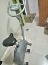 Vendo Bicicleta ergométrica, conservadissima.