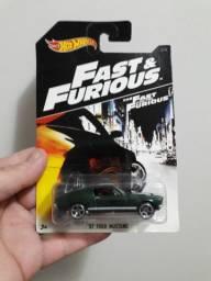 Miniatura velozes e furiosos Mustang do filme desafio em Tóquio