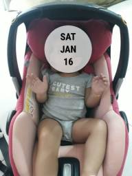 Bebê conforto base Isofix Maxi Cosi + capa nova sem uso