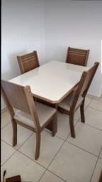 mesa de jantar com 4 cadeiras em promoção