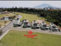 UED - Casa espetacular em condomínio fechado na Serra