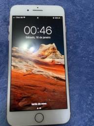 iPhone 8 Plus 64 gigas Dourado