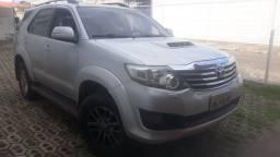 Toyota  hillux SW4  2013