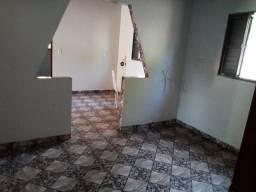 Vende-se uma casa na Vila Acre