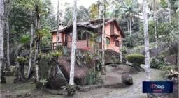 Chácara Magnífica/ Terreno de 10 mil m2 / Fundos Rio Alambari em sua parte alta