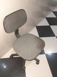 Cadeiraa giratória de escritório