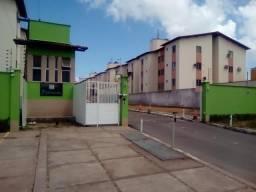 Alugo apartamento reformado com condomínio incluso
