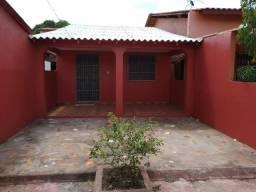 Alugo casa na joão xxiii