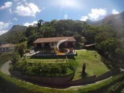 Casa com 4 dormitórios à venda, 400 m² por R$ 995.000 - Samambaia - Petrópolis/RJ