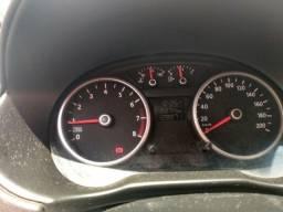 Tenho 8 mil para assumir um carro .