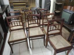 Cadeiras antigas conservadas