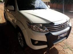 Hilux SW4 Toyota