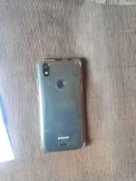 Vendo celular 16 GB de memória Android 8.1