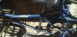 Pra vender logo ,bicicleta cargueira reforcada