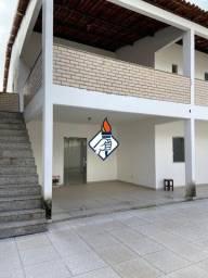 Casa no Brasília, em Rua Pública, Duplex, para Venda, 6 Quartos, Quintal Amplo, Varanda