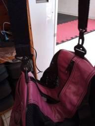 Bolsa para transportar materiais de treino pesado.