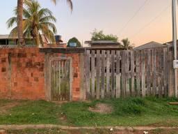 Terreno com Pequena Edificação - Portal da Amazônia