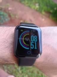 Smartwatch Preto recebe notificações de WhatsApp