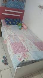 Vendo cama com colchão!!