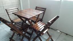 Lindas mesas com cadeiras