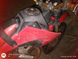 Venda de uma moto xl de trilha