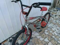 Bicicleta Aro 20 BMX Cromada Laitinha freios V-brake tá TOP!!