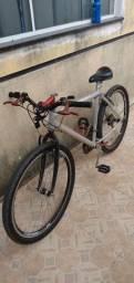 Vendo bicicleta aro 26.   650 reais