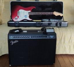 Fender Stratocaster American Standard com amplificador Fender FM 212