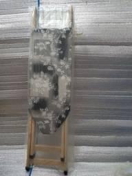 Tábua  de passar-  madeira  tecido estampado, nova, na embalagem.