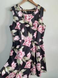 Vestido florido - tam G