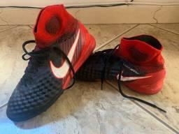 Chuteira de Society Nike Magista Onda II N. 39