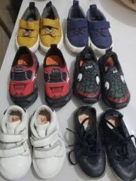 6 pares de tênis tamanho 21