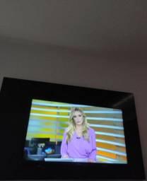 TV PHILIPS DIGITAL 32 POLEGADAS com controle remoto