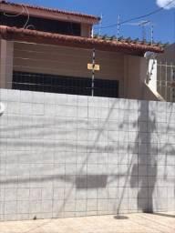 Título do anúncio: Vendo casa,Barro Vermelho,2 pav.,4 /4,piso porcelanato,reformada