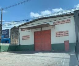 Galpão localizado na Av Henrique de Holanda beira pista disponível para locação