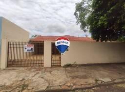 Casa com 3 quartos para alugar, por R$ 1.600/mês - Vila São José - Ourinhos/SP