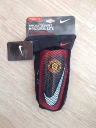 Caneleira original Nike do Manchester United