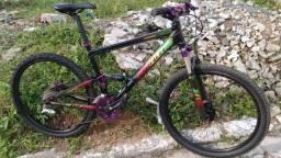 Bike Full aro 26 Quadro Giant, suspensão Fox
