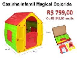 Casinha de brinquedo colorida
