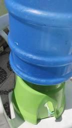Suporte e garrafão de 20 litros