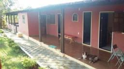 Fazenda/Sítio com 3 Quartos à Venda, 250 m² por R$ 320.000