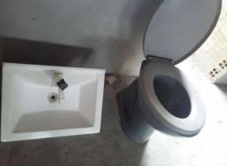 Vaso sanitário e pia de banheiro 60 reais