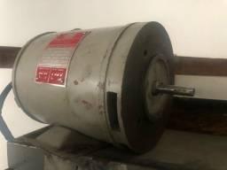 Motor elétrico WEG monofásico 1/4 cv