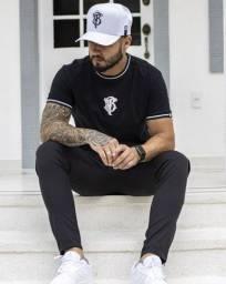 Conjunto Camiseta Retilínea, Calça esportiva elast fit mas Bonés