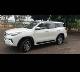 Toyota Hilux SW4 srx 7 lugares - 2017