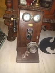 Telefone madeira antigo