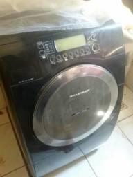 Maquina de lavar estragada( não entrego)