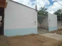 Residência no Bairro Eldorado - Rua Anari. 1.300,00 com 3Q + ponto de oficina