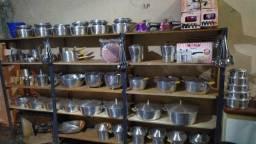 Jogo de panela e diversos outros artigos em alumínio