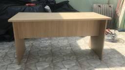 Mesa para escritório grande artany usada